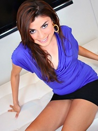 gorgeous latin chick legal age..