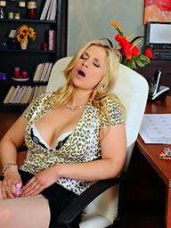 Sarah Vandella is masturbating with an increment of..