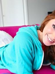 , Very hawt brunette..