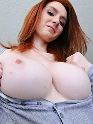 , Very hawt breasty..