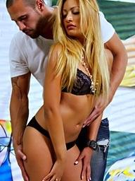 , Natalia Robles, Karlo..
