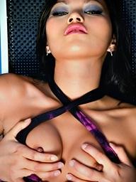 , Lady Mai gets her slit..